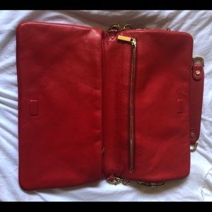 Tory Burch Bags - Tory Burch Bombe Reva Shoulder leather clutch